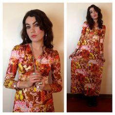 70s FLORAL MAXI DRESS. #70s #1970s #maxidress #floral #vintage #hippie #boho #bright