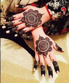 Most Beautiful and Creative Henna Designs for Girls - Sensod - Create. Beautiful and Creative Henna Designs for Girls Henna Hand Designs, Eid Mehndi Designs, Round Mehndi Design, Mehndi Designs Finger, Mehndi Designs For Girls, Mehndi Designs For Beginners, Modern Mehndi Designs, Wedding Mehndi Designs, Mehndi Designs For Fingers