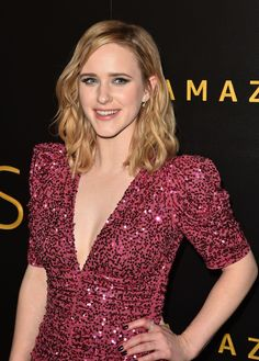 Born: July 1990 in Milwaukee, Wisconsin, USA. Known for: House of Cards The Marvelous Mrs. Maisel Patriots Day and The Finest Hours Golden Globes After Party, Rachel Brosnahan, Pop Culture, Red Carpet, Beautiful Women, V Neck, Actresses, Actors, Amazon