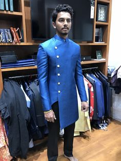 African Attire For Men, African Clothing For Men, African Shirts, African Wear, Indian Men Fashion, Mens Fashion Suits, Mens Suits, African Fashion, Wedding Dresses Men Indian