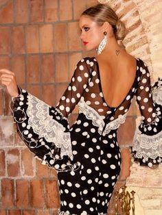 vestido-espalda-azabache-3 Flamenco Dancers, Vintage Gowns, Fashion Catalogue, Spanish Dancer, The Dress, Evening Gowns, Boho Chic, Marie, Fashion Online