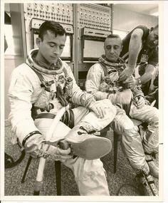 Gus & John Young Nasa Missions, Apollo Missions, Astronauts In Space, Nasa Astronauts, Gus Grissom, Project Gemini, Project Mercury, Apollo Space Program, Science