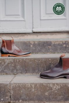 R.M. Williams' iconic one-piece-leather boots are handcrafted in Australia and worn around the globe. Choose from a range of styles online and at our Belfast store (open Monday-Saturday, 10am-4pm). Featured: Chinchilla in Bordeaux (left) & Comfort Craftsman in chestnut (right). Chinchilla, Belfast, Bordeaux, Craftsman, Leather Boots, Chelsea Boots, Globe, One Piece, Australia