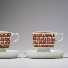 arabia-finland-footed-coffee-cups