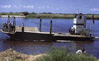 Batelão: São embarcações robustas, construídas em madeira ou em aço com fundo chato, empregadas para desembarque ou transbordo de carga nos portos.