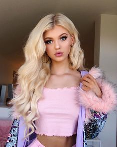 If you need Ukrainian beauty, so this site is what are you looking for. Loren Grey, Gray Instagram, Pretty People, Hair Goals, Hair Beauty, Celebs, Long Hair Styles, Makeup, Loren Gray Twitter