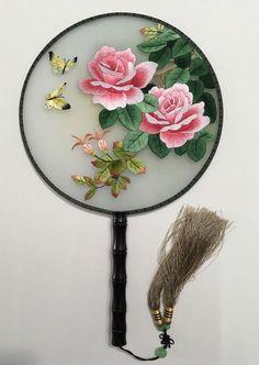 Diy Embroidery Machine, Sashiko Embroidery, Embroidery Flowers Pattern, Embroidery Works, Embroidery Patterns Free, Embroidery Jewelry, Beaded Embroidery, Flower Patterns, Embroidery Designs