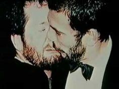 ▶ When Freddie Mercury Met Kenny Everett (4/6) - YouTube