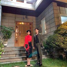 Hotel Del Luna, IU as Jang ManWol, Yeo JinGoo as Gun ChanSeong. Beutiful outfits both of them. Kdrama, Luna Fashion, Korean Drama Best, Korean Dramas, Gu Family Books, Jin Goo, K Idol, Female Singers, Queen