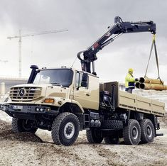 picture by @daimler_ag #actros #bus #setra #unimog #truck #mercedes #mbhess