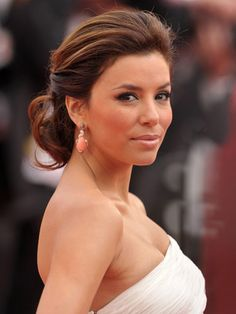 Hair color: Eva Longoria achieves a well-coiffed look of chocolate with a hint of caramel
