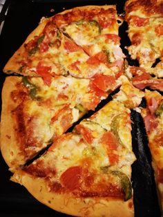 mari plateau: Αρωματική ζύμη πίτσας με ελαιόλαδο και ρίγανη Vegetable Pizza, Cheese, Vegetables, Food, Essen, Vegetable Recipes, Meals, Yemek, Veggies