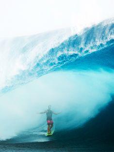 Misty inside the waves belly - ph: seth de roulet