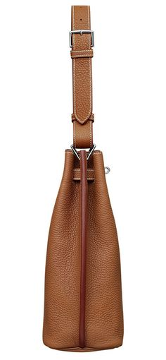 Hermes - So Kelly bag in tan leather. Side view.