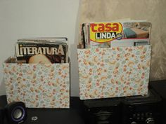 Revisteiro: caixa de papelão coberta com papel contacto.
