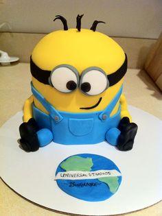 'Despicable Me' Minion cake