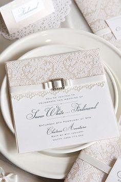 Invitaciones para bodas con detalles en puntilla y encaje