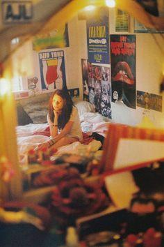 Petra Collins, Bedroom Inspo, Room Decor Bedroom, Bedroom Inspiration, Bedroom Ideas, Film Inspiration, Retro, Teen Girl Bedrooms, Teen Bedroom