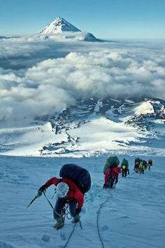 ♥ Above the clouds Beautiful Pictures Ice Climbing, Mountain Climbing, Zhangjiajie, Trekking, Himalaya, Escalade, Ocean Park, Kayak, Above The Clouds