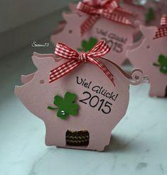 Kleine Glücksschweinchen aus Karton selbstgemacht #Silvester #diy #Dekoration #Party