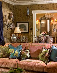 Living room chinoiserie design, pictures, remodel, decor and ideas - page chu chu johnson · shabby chic sofa English Interior, English Decor, Beautiful Living Rooms, Beautiful Interiors, My Living Room, Living Room Decor, Dining Room, Interior Design Living Room, Living Room Designs