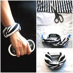 Make a DIY summer bracelet from t-shirt scraps