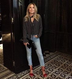 One of my favorite Fashion Influencers is Lucy Williams (Fashion Me Now). Her cool classic effortless style resinates with me. Fashion Me Now, Look Fashion, Fashion Outfits, Womens Fashion, Fashion Hats, Fashion Edgy, Fashion Black, Fashion 2017, Unique Fashion