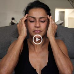 Face Yoga with Ranjana Khan Ommmm. Say it with us now…now roll your tongue back into your throat, close your eyes, and stretch those eyelids. That's right, ladies and gents, we're doing facial yoga. Facial Yoga Exercises, Neck Exercises, Anti Rides Yeux, Massage Facial, Yoga Pilates, Sup Yoga, Face Yoga, Keeping Healthy, Yoga Videos