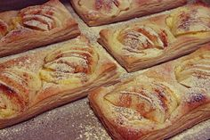 Omenaleivokset - Sweet Food O´Mine Baked Doughnuts, Sweet Pastries, Baked Goods, Sweet Recipes, Baking Recipes, Goodies, Food And Drink, Bread, Chocolate
