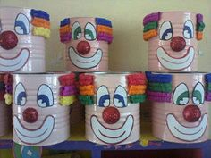 For hospital clowning Chamboule-tout Clown Crafts, Circus Crafts, Carnival Crafts, Carnival Themed Party, Carnival Birthday Parties, Circus Birthday, Circus Party, Clown Party, Circus Activities