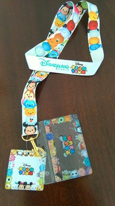 Just need the ID holder! Disney Pins, Disney Art, Disney Lanyard, Disney Rooms, Disney Tsum Tsum, Cute Plush, Disney Addict, Birthday Gifts For Girls, Disney Dream