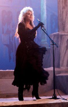 Seven Wonders 1987 Tango In The Night, Stevie Nicks Lindsey Buckingham, Rock Queen, Stevie Nicks Fleetwood Mac, Fairy Godmother, Beautiful Voice, Lady And Gentlemen, Her Music, Rock And Roll
