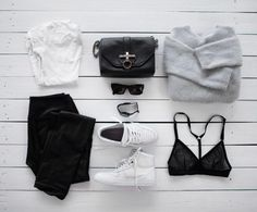 armário minimalista roupas pretas e cinza