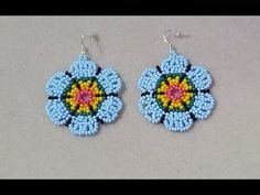 beaded earrings how to Beaded Earrings Patterns, Beading Patterns Free, Beading Tutorials, Crochet Earrings, Seed Bead Jewelry, Seed Bead Earrings, Beaded Jewelry, Hoop Earrings, Diy Jewelry