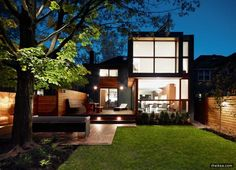 Post-War House Converted Into Modern Residence In Canada - http://www.theikea.com/interior-design-ideas/post-war-house-converted-into-modern-residence-in-canada.html