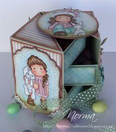 "From My Craft Room: Secret box tutorial (4 1/2"" high) http://frommycraftroom.blogspot.ca/2012/04/secret-box-tutorial-4-12-high.html?m=1"