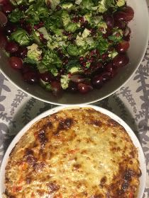 Tau(v)onpaikka: Tehdäänkä lohipiirakkaa ja salaattia? Sprouts, Vegetables, Red Peppers, Vegetable Recipes, Cabbage, Veggies