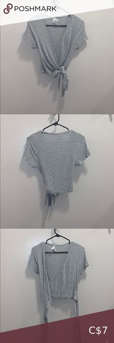 4/35$ Tie up shirt This is another tie up shirt so you can decide how tight or loose it really is, is in great condition Tops Blouses Tie Up Shirt, Tied Up, Plus Fashion, Fashion Tips, Fashion Trends, Blouses, My Favorite Things, Shirts, Outfits