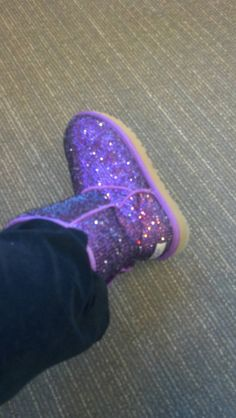 I love my customized purple UGG boots.crystallized with Swarovski crystals by Maison Lyle Cheap Snow Boots, Ugg Snow Boots, Ugg Boots Sale, Winter Outfits, Summer Outfits, Casual Outfits, New York Fashion, Teen Fashion, Fashion Trends