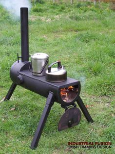 rocket stove and grill ile ilgili görsel sonucu Metal Projects, Welding Projects, Outdoor Kocher, Outdoor Stove, Rocket Stoves, Diy Rocket Stove, Wood Burner, Camping Stove, Outdoor Cooking
