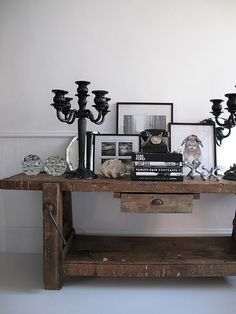I really like this rustic shabby chic style...