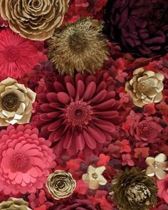 ♥️♥️♥️♥️♥️ the holidays are coming. Paper Flower Backdrop, Paper Flowers, Paper Decorations, Holidays, Plants, Projects, Painting, Instagram, Art