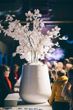 FÆK | Flowers Snowwhite - Medium  Artikelnummer: 7031  artificial / fake flowers - artificiële bloemen - white - wit - rental - verhuur / huren - events - evenementen - party - feest - decoration - decoratie