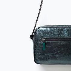 ZARA - WOMAN - Metallic messenger bag with a chain