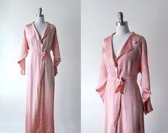 1940's robe. 40 pink robe. maxi lingerie. coral pink bathrobe. silk robe. 40's satin robe. kimono on Etsy, $84.00