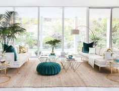 Mid-century Palm Springs style in this LA home. Designed by Orlando Soria of @Homepolish