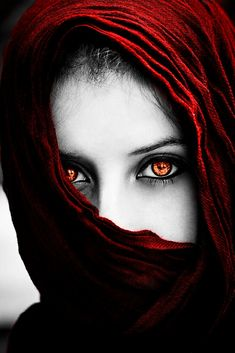 Shadow Photography, Portrait Photography, Black White Photos, Black And White Photography, Low Key Portraits, Eye Pictures, Beauty Full Girl, Portrait Art, Beautiful Eyes