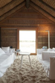 Let's escape to Casas Na Areia - a beautiful retreat designed by Manual Aires Mateus in Comporta, Portugal. Hotel Portugal, Lisbon Portugal, Interior Exterior, Interior Design, Design Interiors, Room Interior, Design Art, Sand Floor, Sweet Home