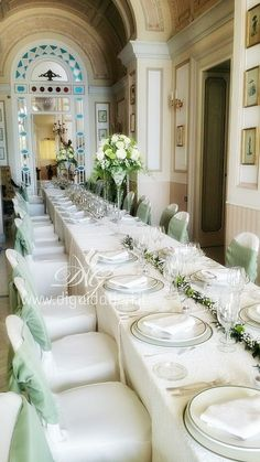 Addobbo floreale per tavolo imperiale, nella bellissima location di Villa Cilento, sulla collina di Posillipo, Napoli.
