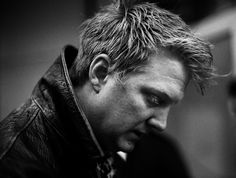 Josh Homme Queens of the Stone Age one of my absolute favorite pictures of my absolute favorite man.